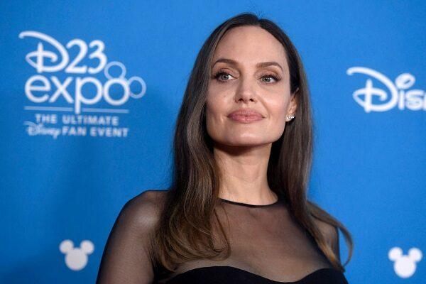 Angelina Jolie: età, altezza, biografia, filmografia e figli, contatti Facebook, Instagram e pagina Wikipedia